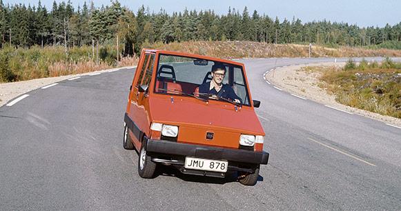 primer auto eléctrico